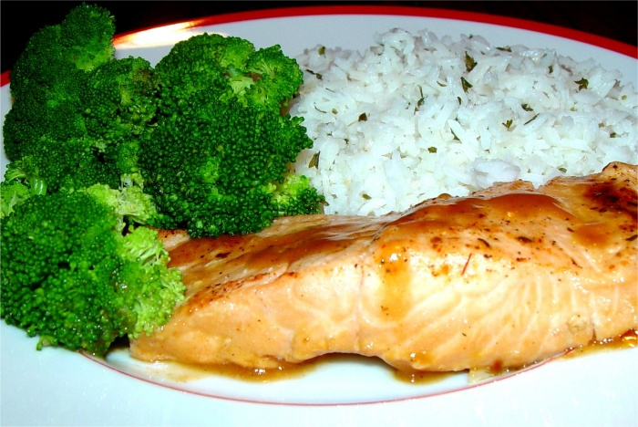 salmon dinner - a rich source of lutein