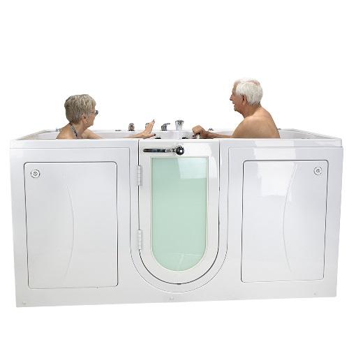 2 bathers soaking in a big4two walk in tub